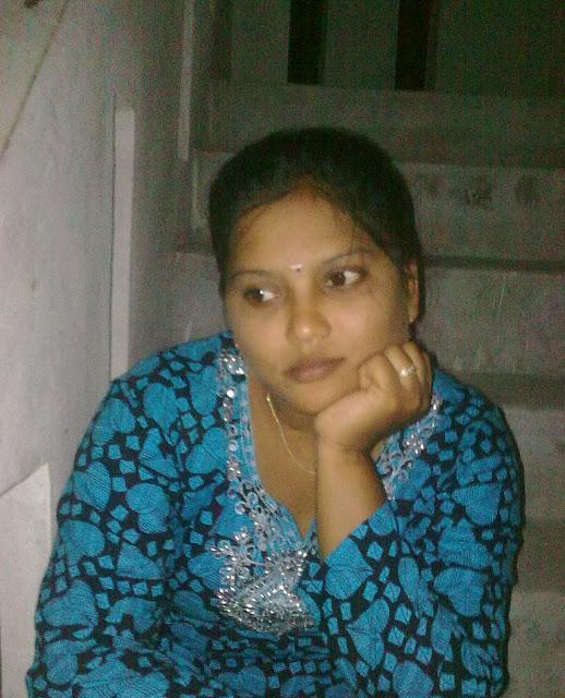 Beautiful Sumitra bhabhi at her lover home   nudesibhabhi.com
