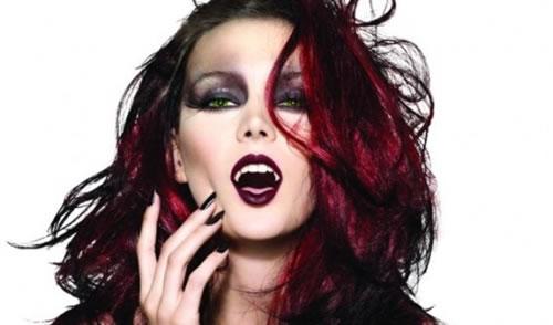 É sempre válido ressaltar que as maquiagens são essenciais dentro de uma festa a fantasia.