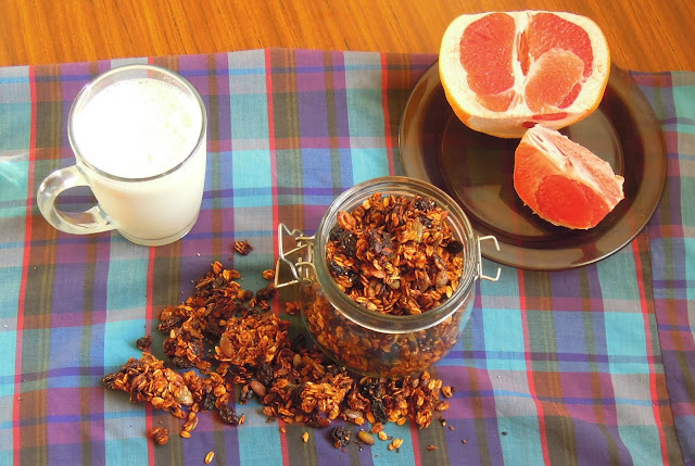 granola with fruit juice recipe