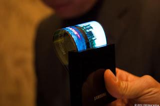 samsung yeni telefon teknolojisi esnek ekran