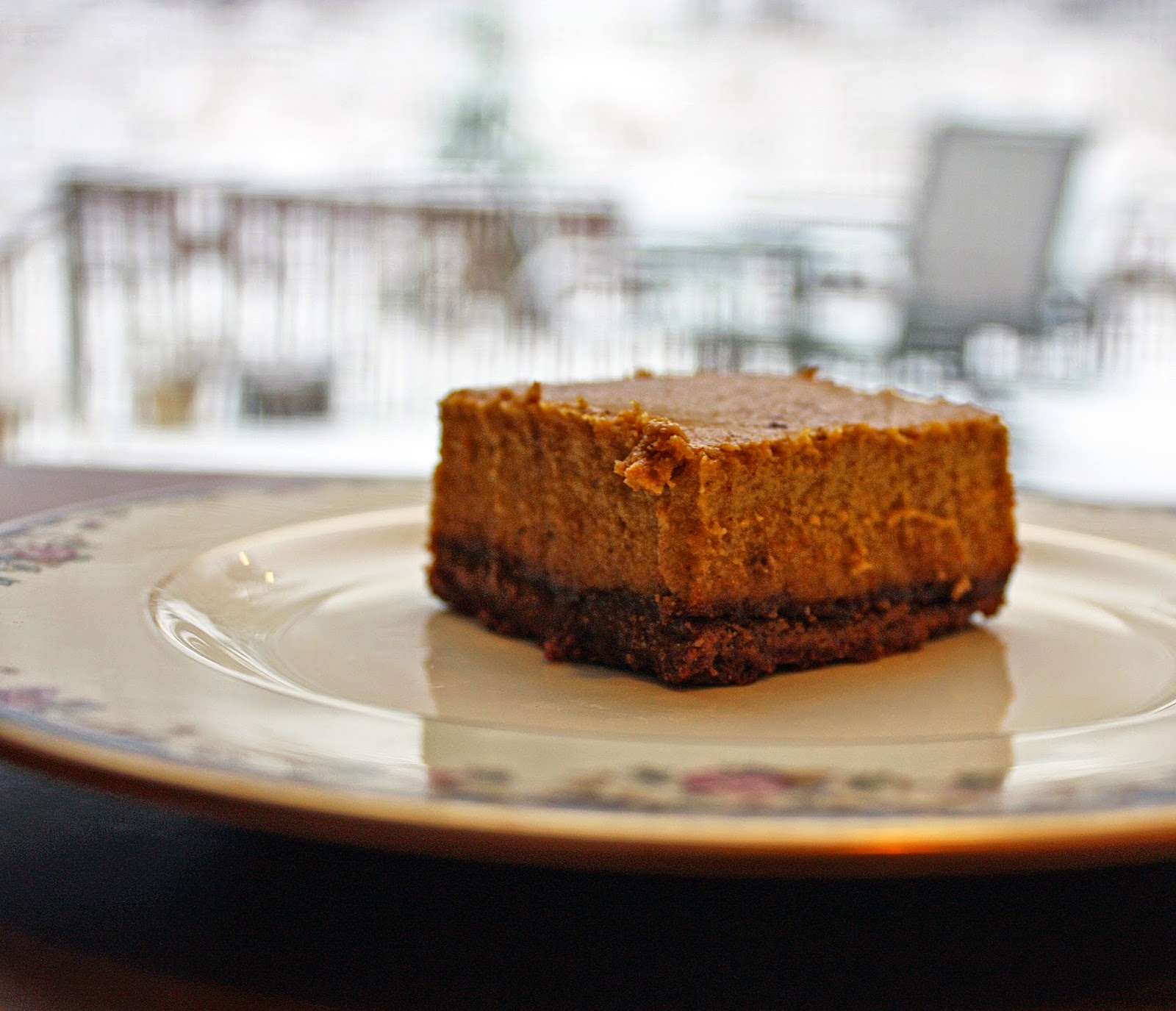 gluten-free vegan pumpkin pie cheesecake bars with gingerbread crust