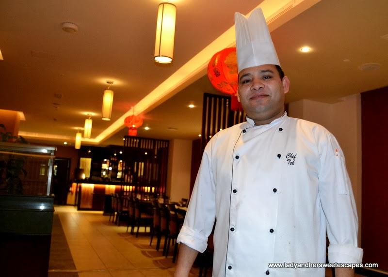 Chef Tek of Sizzling Wok Duba