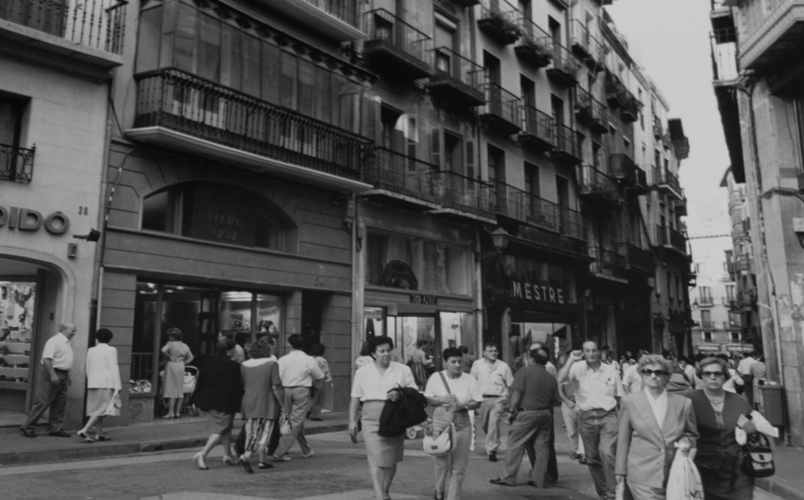 Memorias del viejo pamplona por las calles de lo viejo for Casa puntos pamplona