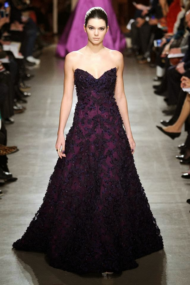 Kendall Jenner stuns in a strapless dress at the Oscar de la Renta Fall/Winter 2015 New York Fashion Week Show