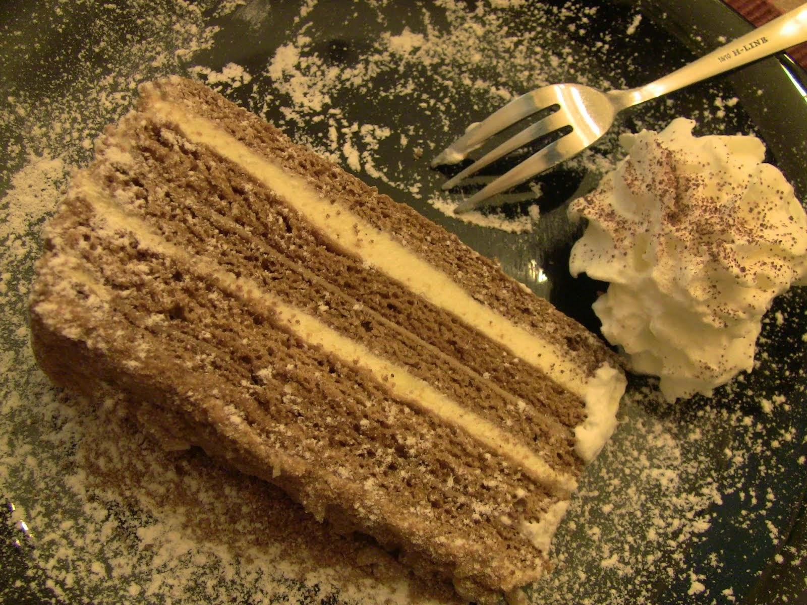 le medovnik, un délicieux gâteau au miel