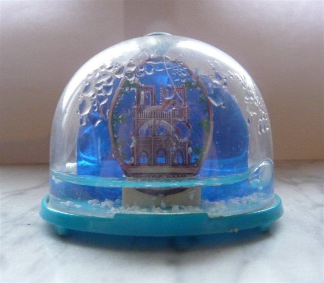 Palle di neve - Boule à neige - Snow glob - Globos de nieve