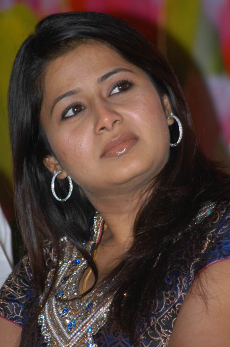 sangeetha actress wallpapers