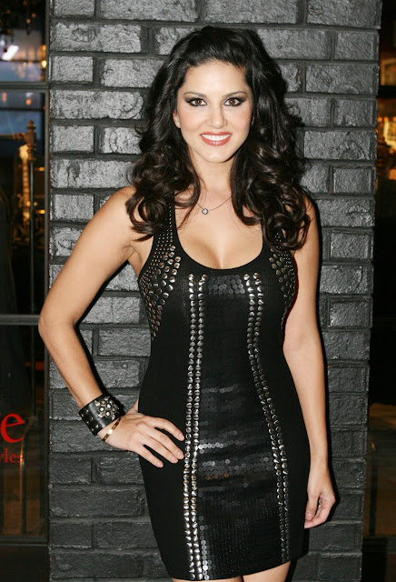 Sunny Leone at AVN Adult Entertainment Expo 2012