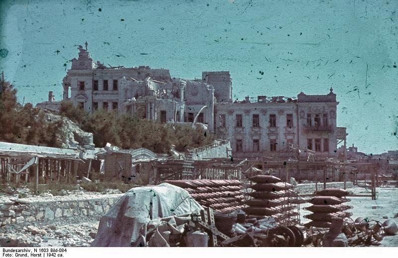 Разрушенный Дворец пионеров в Севастополе