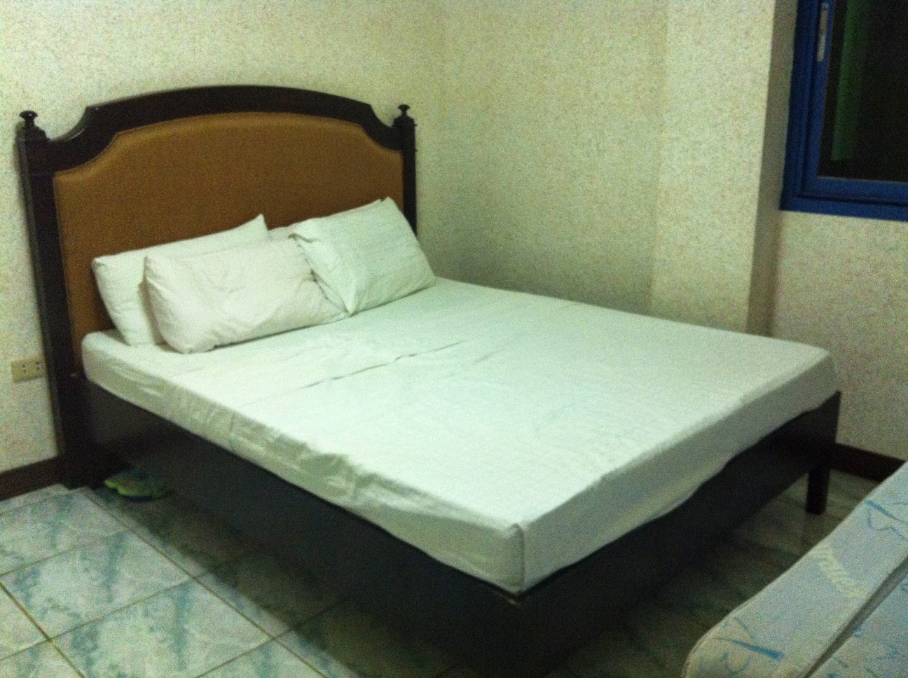 Inspirational The room is equipped with basic necessities such as an air conditioning unit closet cabinet vanity cabinet toilet with cold shower and conventional
