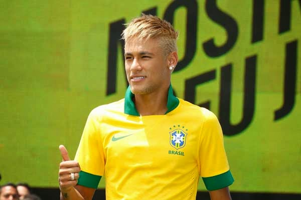 Gaya Rambut Neymar JR Pemain Bola Terbaru 2015