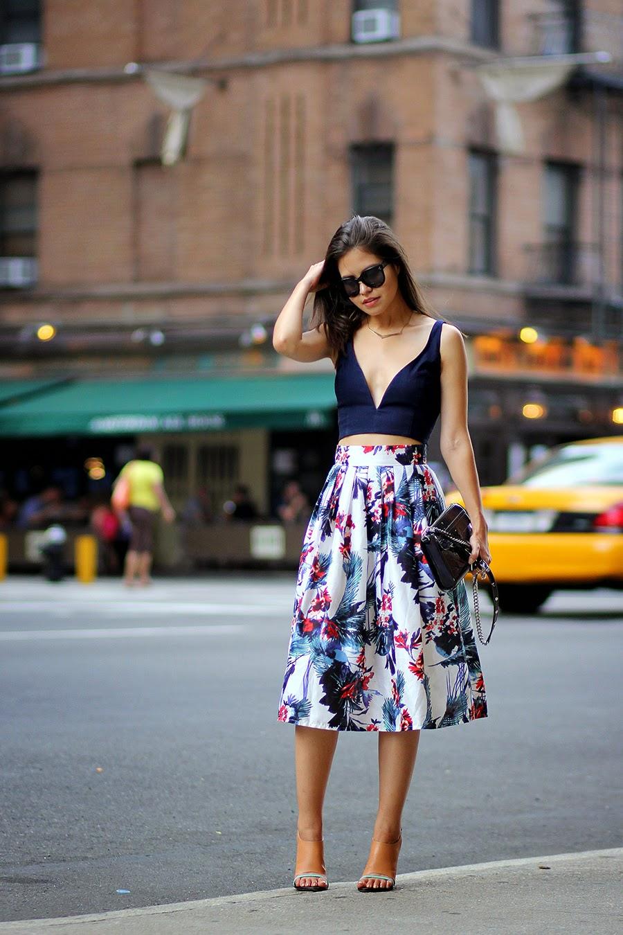 saias da moda, saia floral com cropped