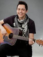 David Guapo con su guitarra