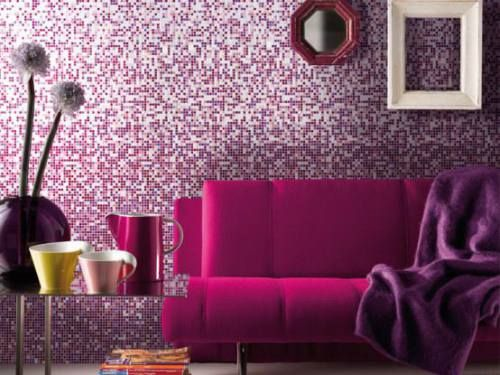 gorgeous Pantone Radiant Orchid sofa and wall