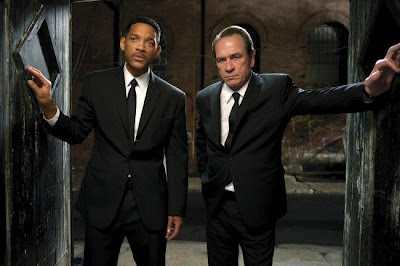 Will Smith y Tommy Lee Jones como los Agentes J y K en una escena de Men in Black 3. LA TAQUILLA. Revista Making Of