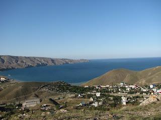 отдых на море, Орджоникидзе, Отдых в Орджо, лето в Орджо, море, горы,вид на горы, море и горы,двуякорная бухта, катран