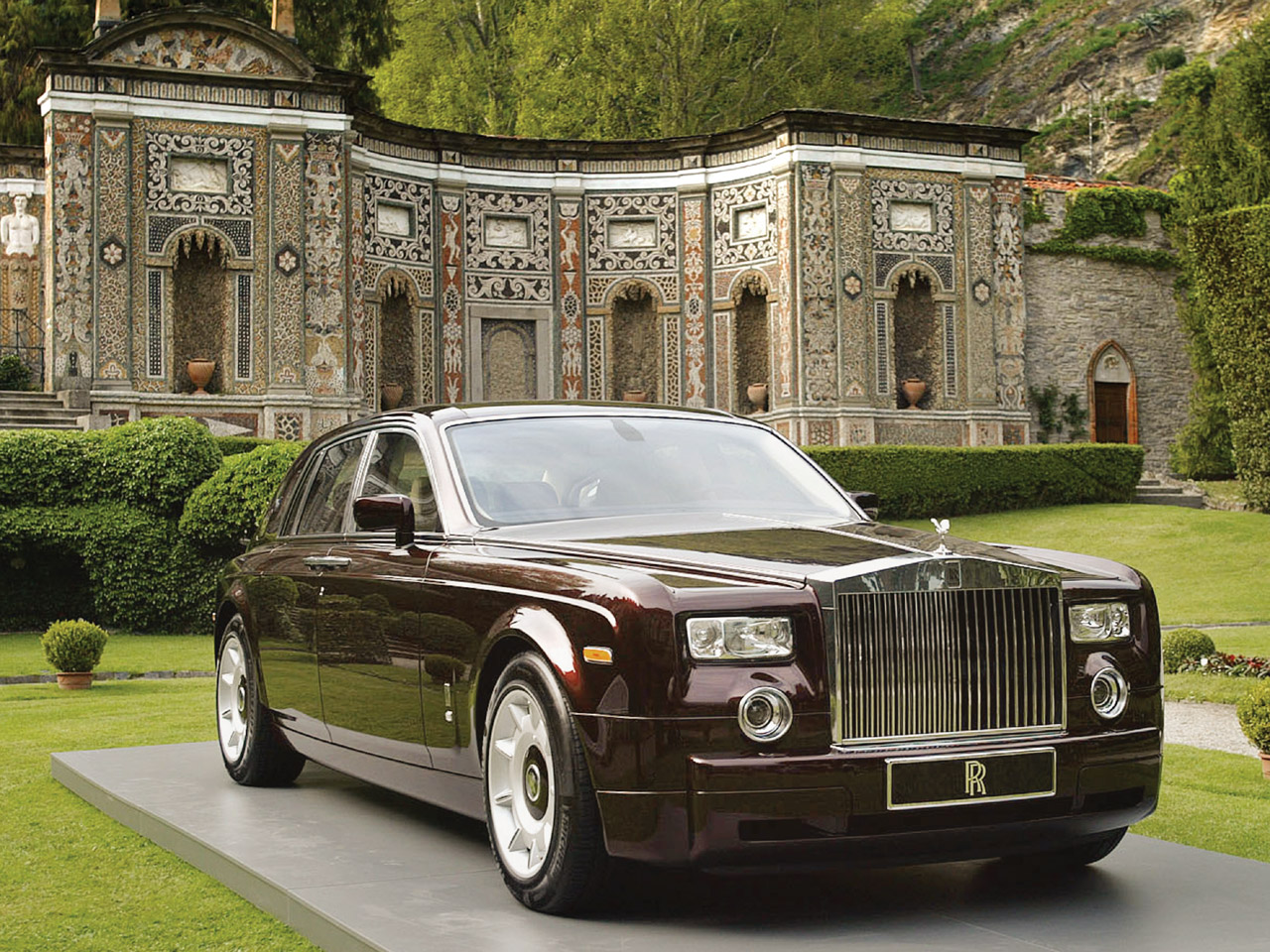 2012 rolls royce cars automotive todays for Home decorators royce
