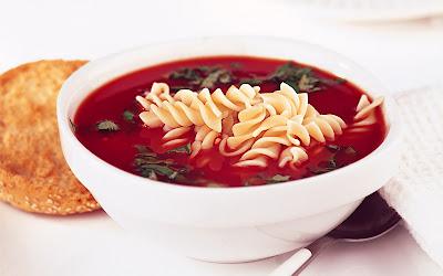حساء المعكرونة اللولبية