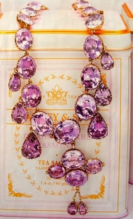 http://justinlovewithberni.com/2013/12/27/in-the-mood-for-radiant-orchid/