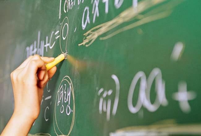 Guru disiplin dipenjara 15 tahun dan sebat kerana rogol murid sendiri