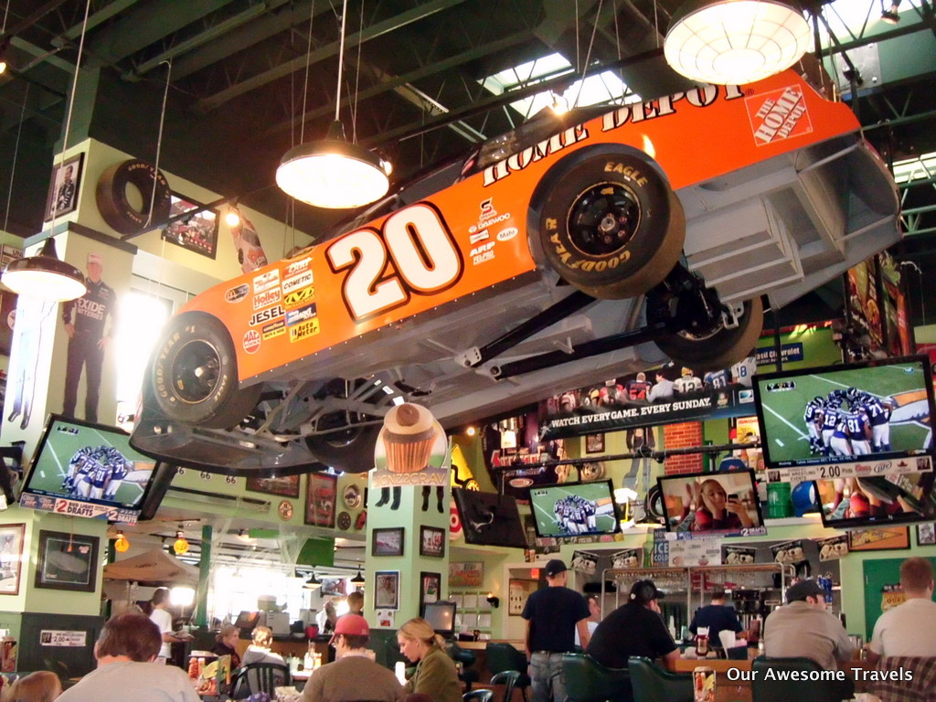 quaker steak and lube in a competition for the best wing beer and sports bar The qsl sheffield village restaurant offers the best wings in cleveland looking  for something to do in cleveland, oh visit our sheffield village location.