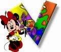 Alfabeto de Minnie Mouse pintando V.