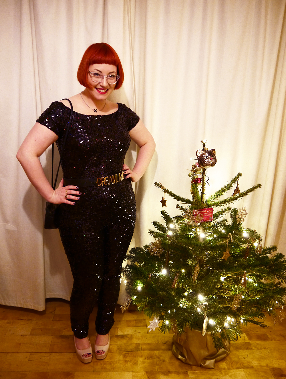 What Helen Wore, Styled by Helen, New Year's eve outfit, hogmanay style, NYE style, 2016, sequin jumpsuit, French Connection, TK Maxx, Dreamland belt, party outfit, party style, sequin style, Little black dress alternative, festive party style, tatty devine kiss necklace, new look platform shoes, 70s sequin style, red head, scottish blogger, blogging duo, ginger bob, Iolla glasses, #seewithiolla, clear glasses