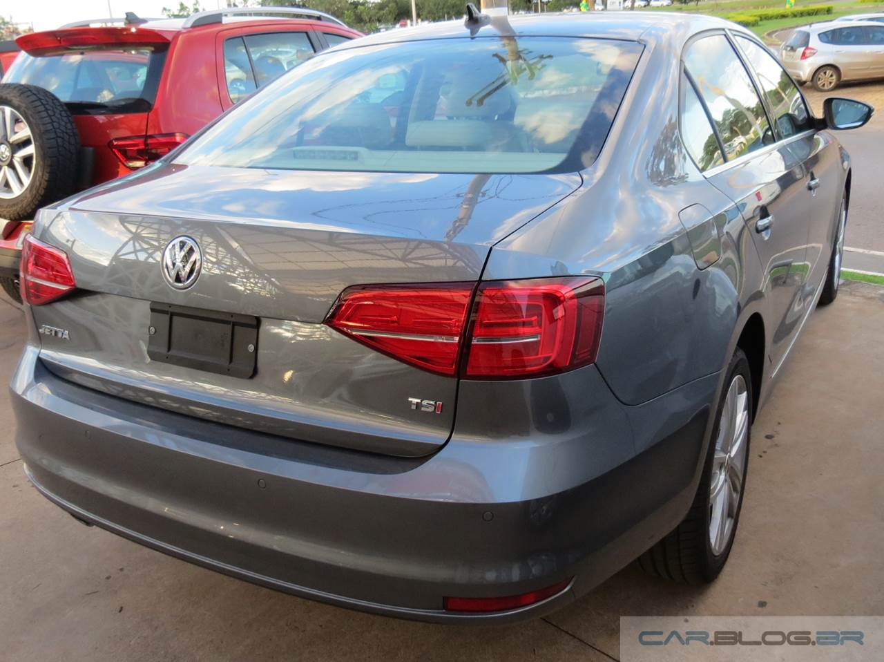 VW Jetta Highline 2016 - traseira