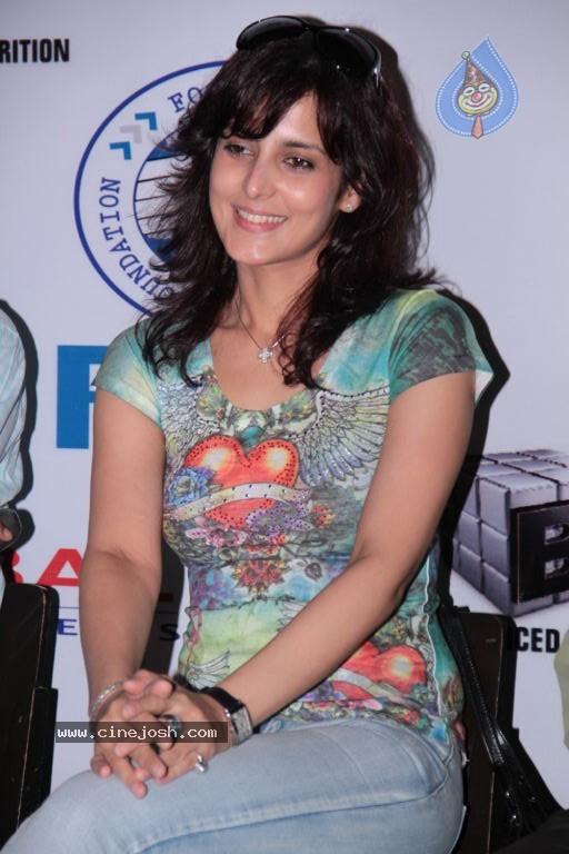 , Tulip Joshi At Football Marathon Run 2012 Event