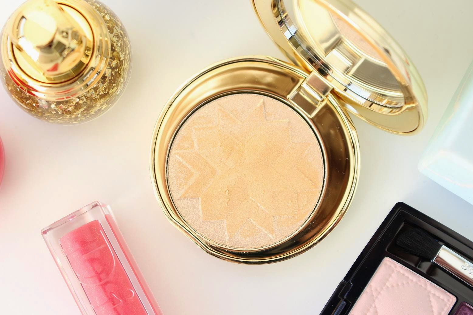 Diorific Golden Shock Illuminating Pressed Powder