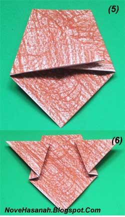 cara melipat kertas origami untuk membuat origami wajah beruang. Origami wajah beruang ini sangat cocok untuk diajarkan untuk anak-anak yang duduk di kelas rendah (1, 2, dan 3) SD. 3