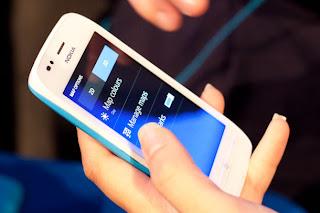 Harga Nokia Lumia 820 Dan Nokia Lumia 920 Di Indonesia  Apps