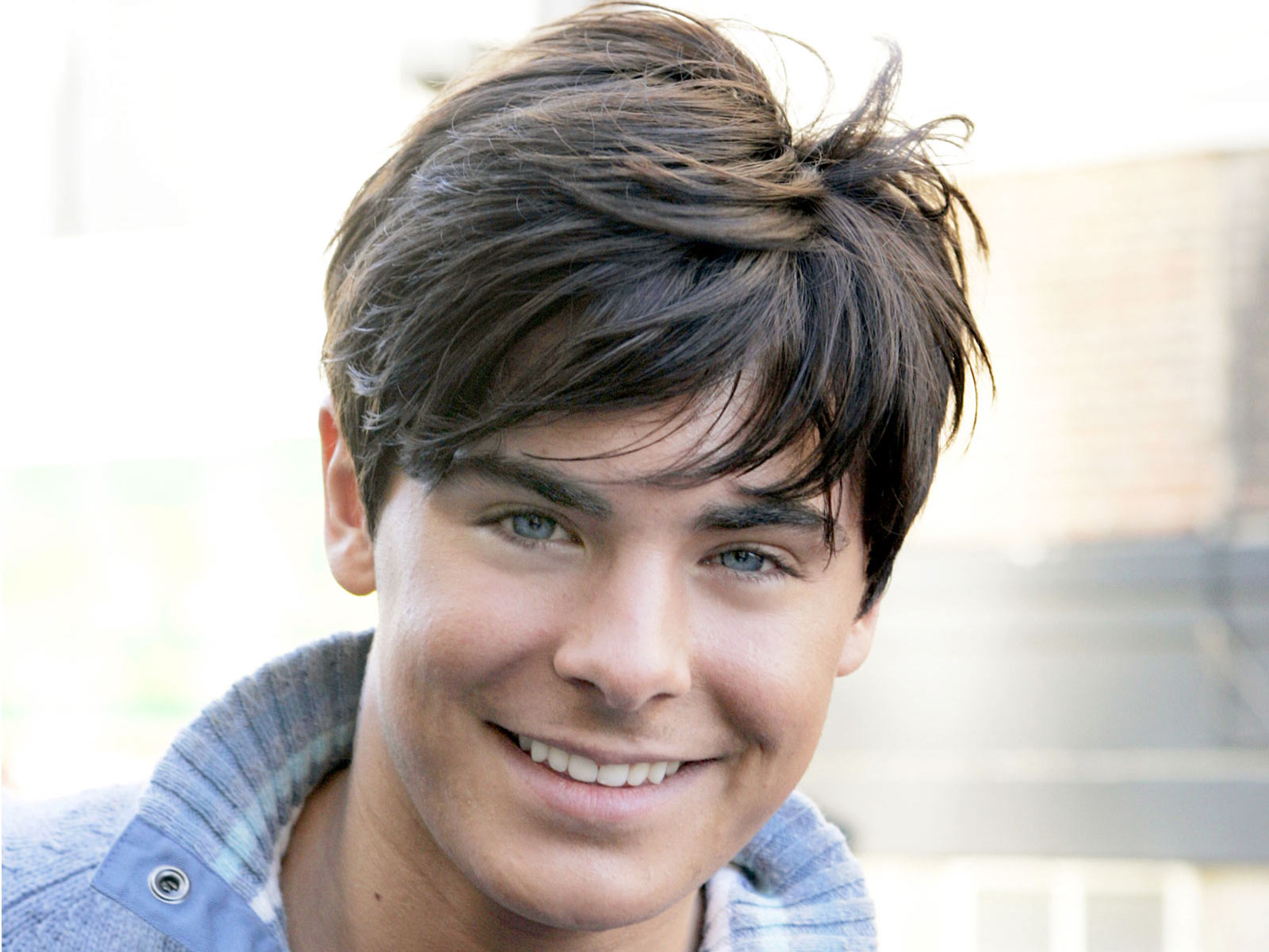 Below You Can Find Zac Efron HD Wallpapers 2011 To Decorate Your