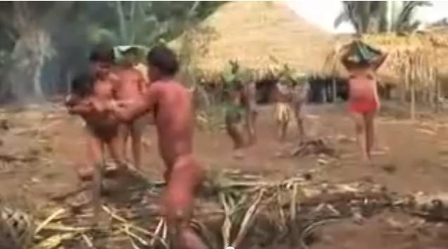 Clip Shock - Chôn sống bé trai 5 tuổi tại 1 bộ lạc