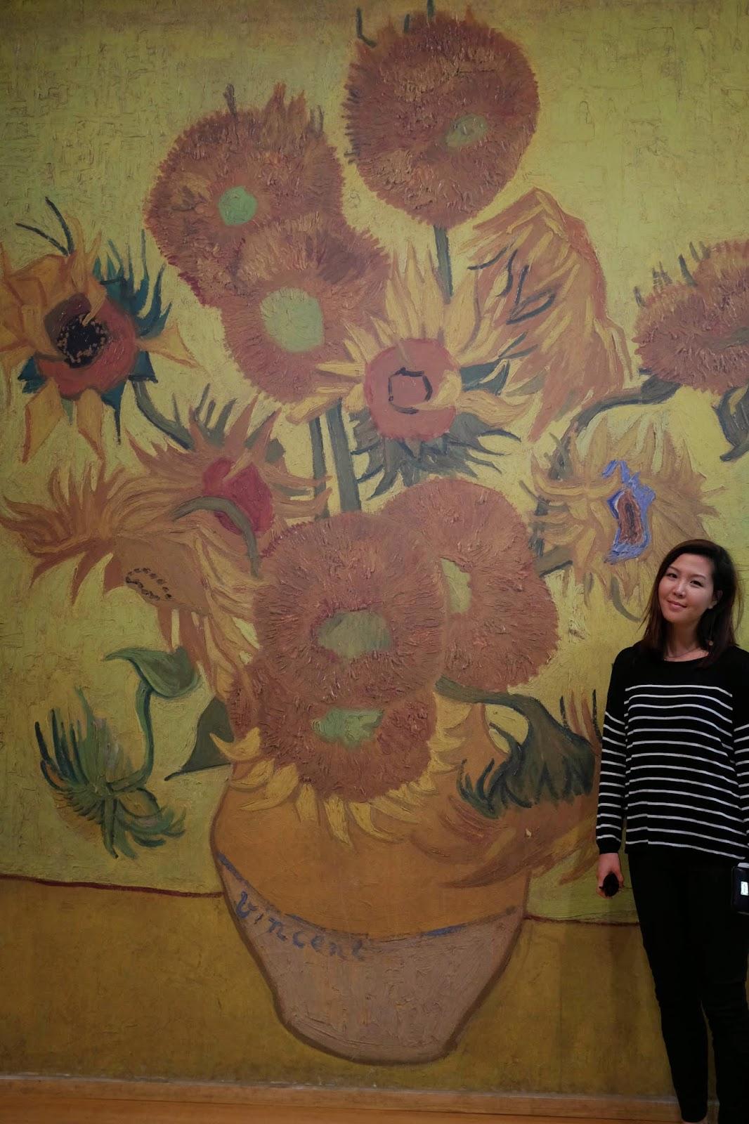 Van Gogh museum Amsterdam sunflowers