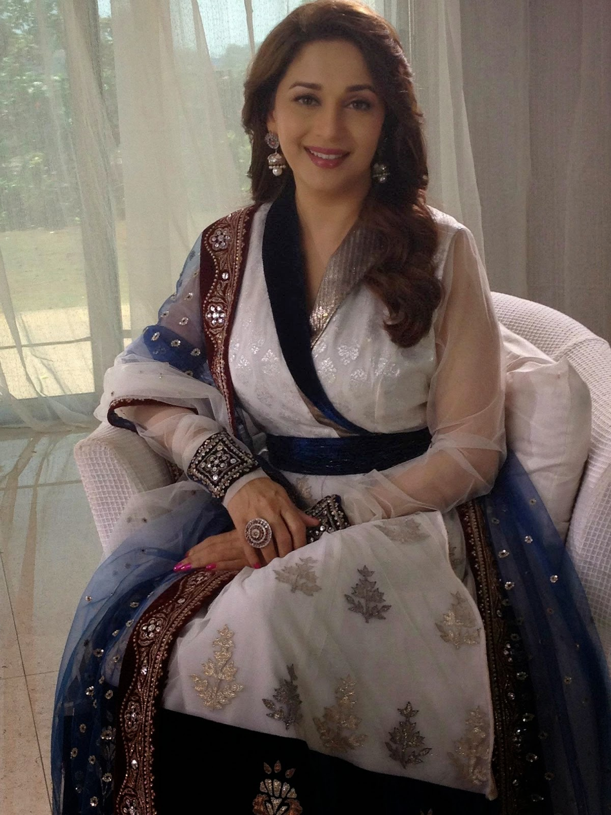 Madhuri Dixit hot hd wallpapers free download