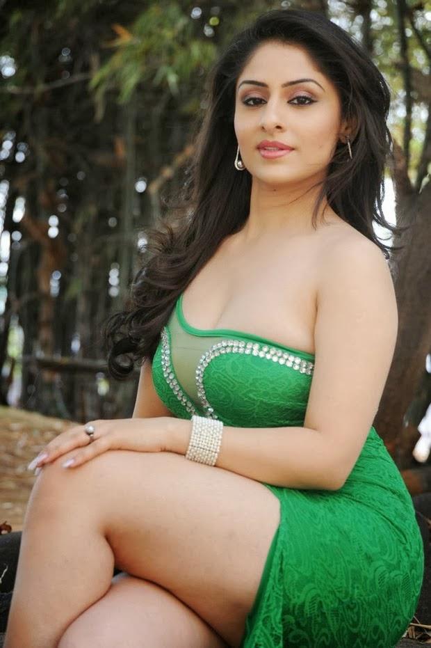 Ankita Sharma Hot in green dress - Desifunblog