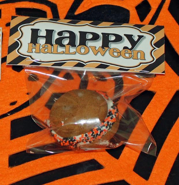 free-Halloween-treat-bag