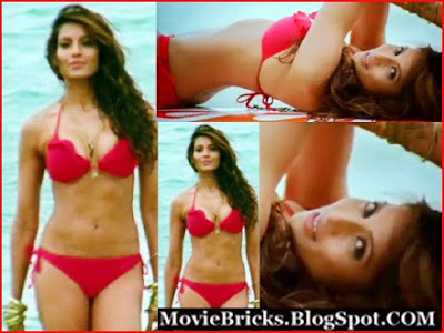 bollywood actress hot bipasha basu in bikini