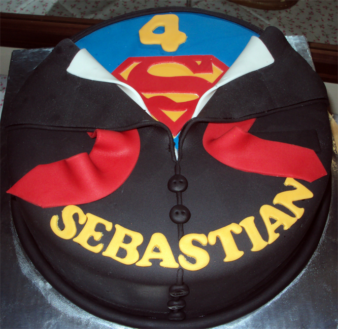 Cake Images Superman : Delana s Cakes: Suit to Superman Cake