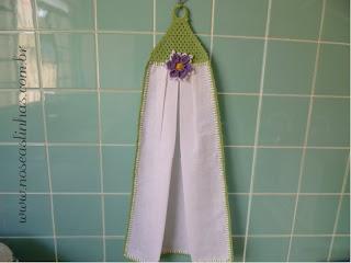 Bate mão em tecido de sacaria com detalhes em crochê