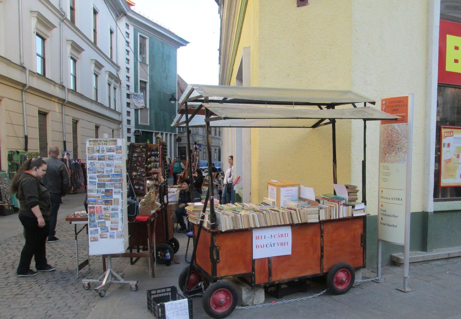 Standul Carti fara pret din centrul Sibiului