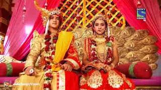 Foto Pernikahan Ajabde Dan Mahaputra Duduk Di Pelaminan