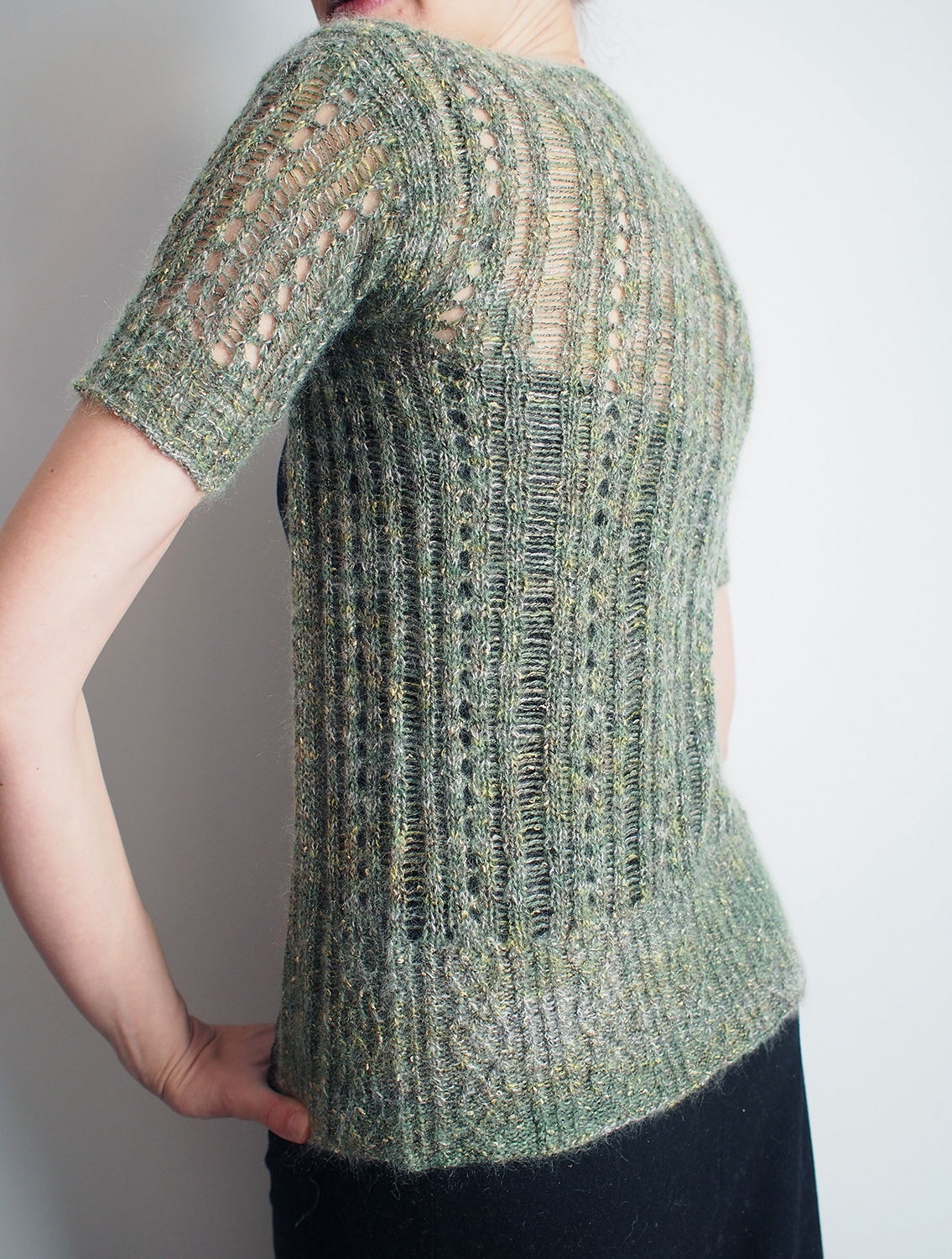 Free Drop Stitch Knitting Patterns : Dayana Knits: Using Dropped Stitches to Make Lace -- Catskills Cardi