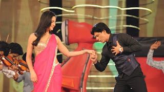 SRK AND Katrina at 18 th colors Screen Awards 2012