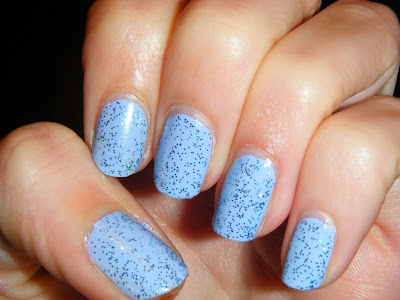33DC-blue-nail-polish