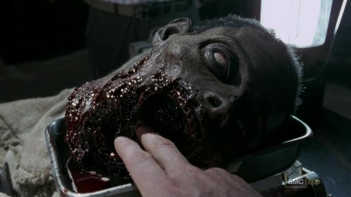 The Walking Dead 3x03 - Zombi sin mandíbula