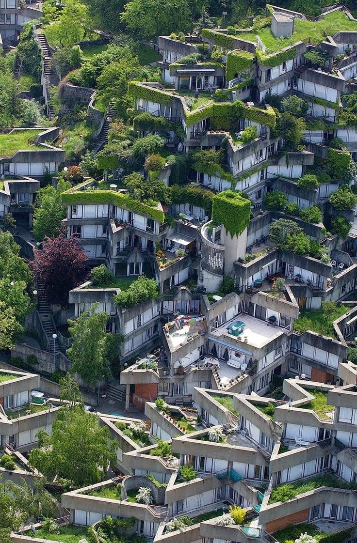 jean renaudie s housing complex in ivry sur seine paris destinations planet. Black Bedroom Furniture Sets. Home Design Ideas