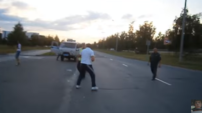 Μεθυσμένος οδηγός...παραστρατεί και τα βάζει με την αστυνομία!