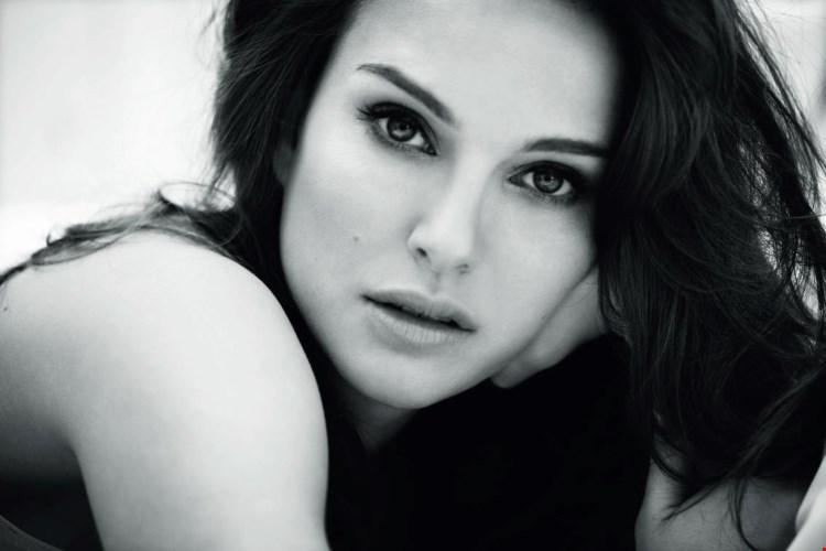 Natalie Portman Black & White Image HD